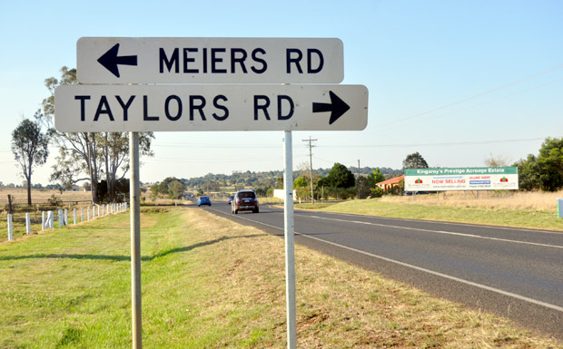 Taylors Road-Bunya Highway intersection, north Kingaroy
