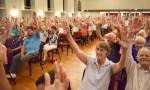 Phone Poll Backs Mine: Moreton