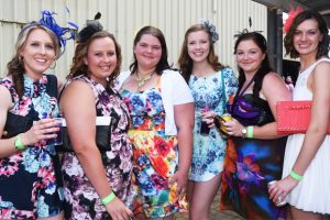Colourful Racing At Wondai