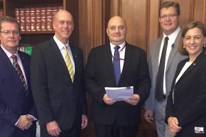 Petition Supporting Mine<br> Presented To Parliament