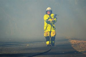 Firies Battle Fast-Moving Flames
