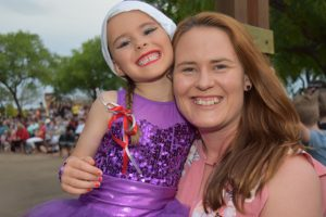 Kingaroy Crowd Enjoys Christmas Fun