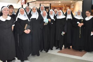 Sound Of Music Serenades Shoppers