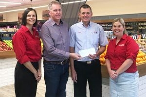 Shoppers Help Red Earth