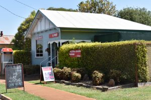 Aust Post Extends Banking Service